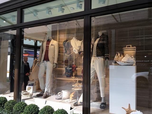 ブルネロクチネリ BRUNELLO CUCINELLIの新作商品、入手困難なアイテム、日本未上陸品、激安品、限定品、お値打ち品、バーゲンセール品、個人輸入、海外通販、代行サービスをイギリスから EG代行